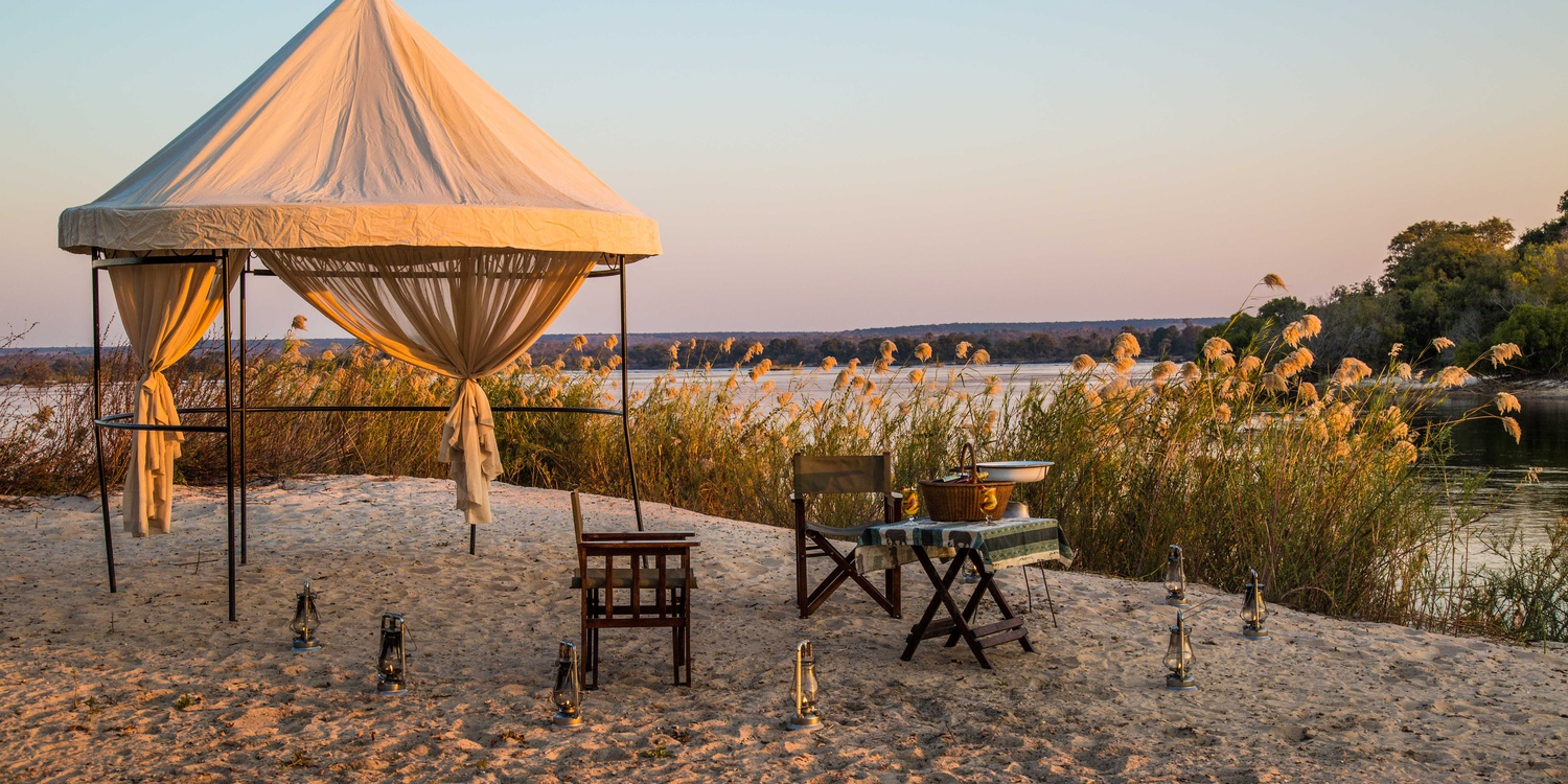 Romantic holidays near Victoria Falls on the Zambezi River at The River Club