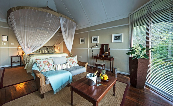 The River Suite interior - Accommodation on the Zambezi